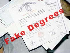 Gang dealing in fake degrees busted